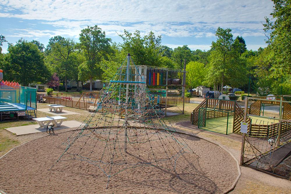 Aire de jeux camping bord de Loire