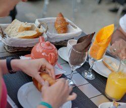 Petit-dejeuner - Camping La Grande Tortue