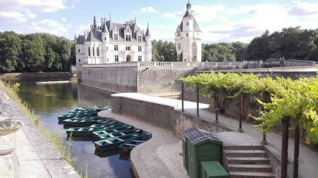 château à visiter proche du camping du château de la Loire